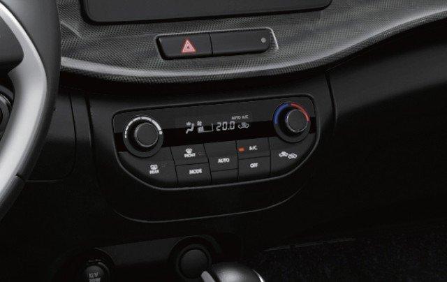 các nút trên Suzuki XL7.
