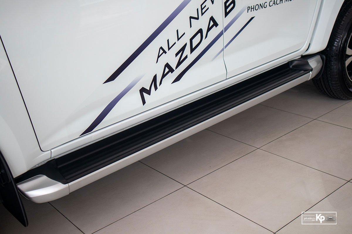 Ảnh Bậc bước chân xe Mazda BT-50 2021