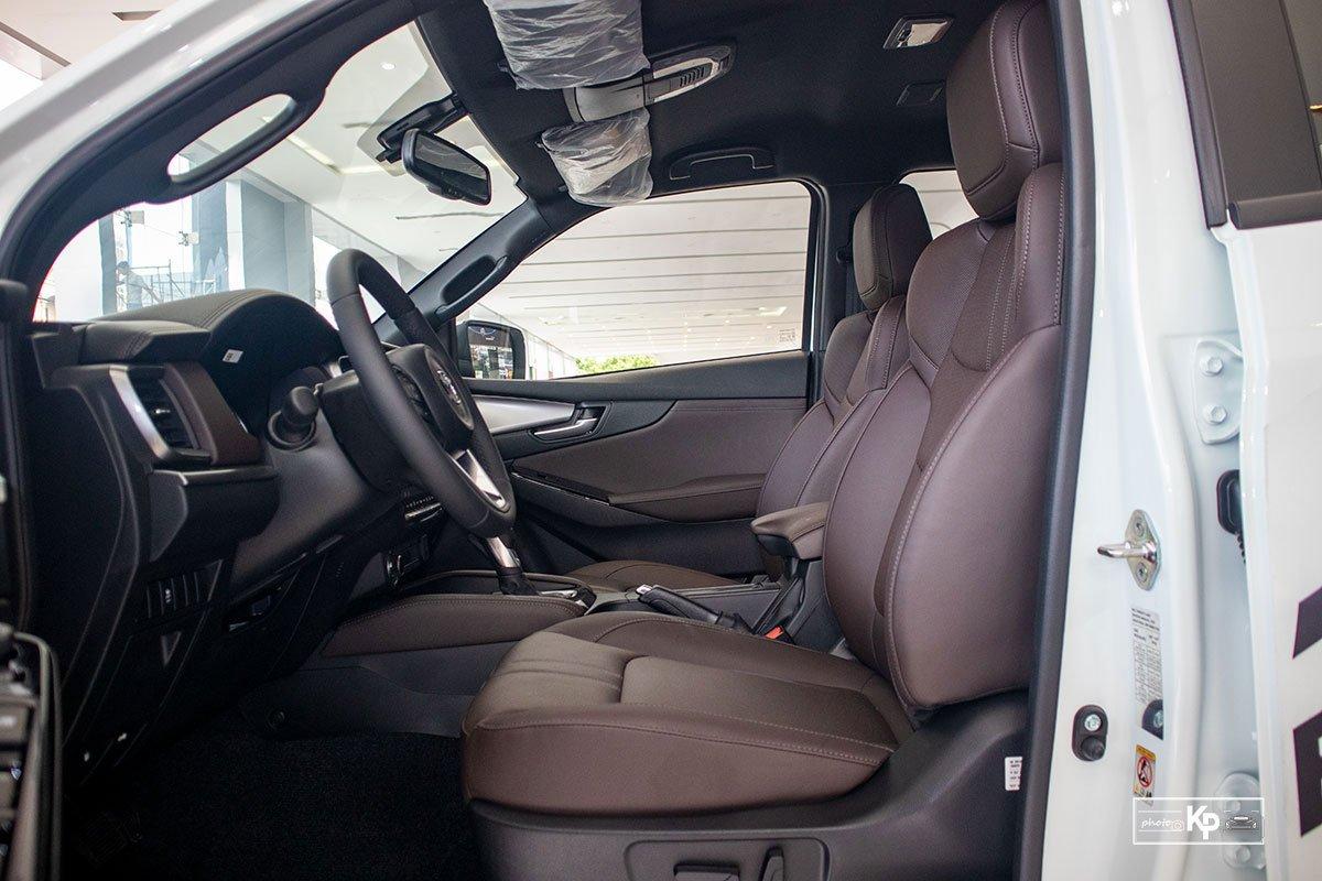 Ảnh Ghế lái xe Mazda BT-50 2021