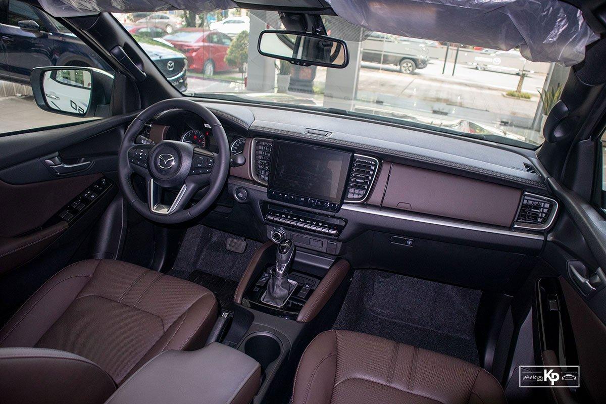 Ảnh Nội thất xe Mazda BT-50 2021