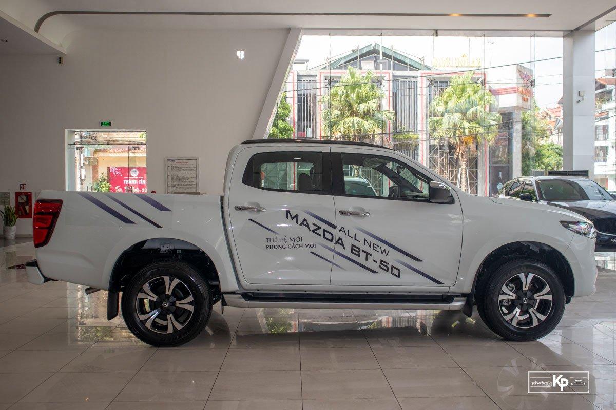 Ảnh Thân xe Mazda BT-50 2021