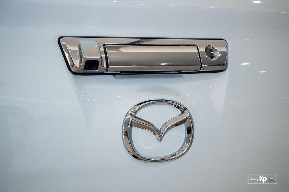 Ảnh Tay nắm cửa xe Mazda BT-50 2021 a1