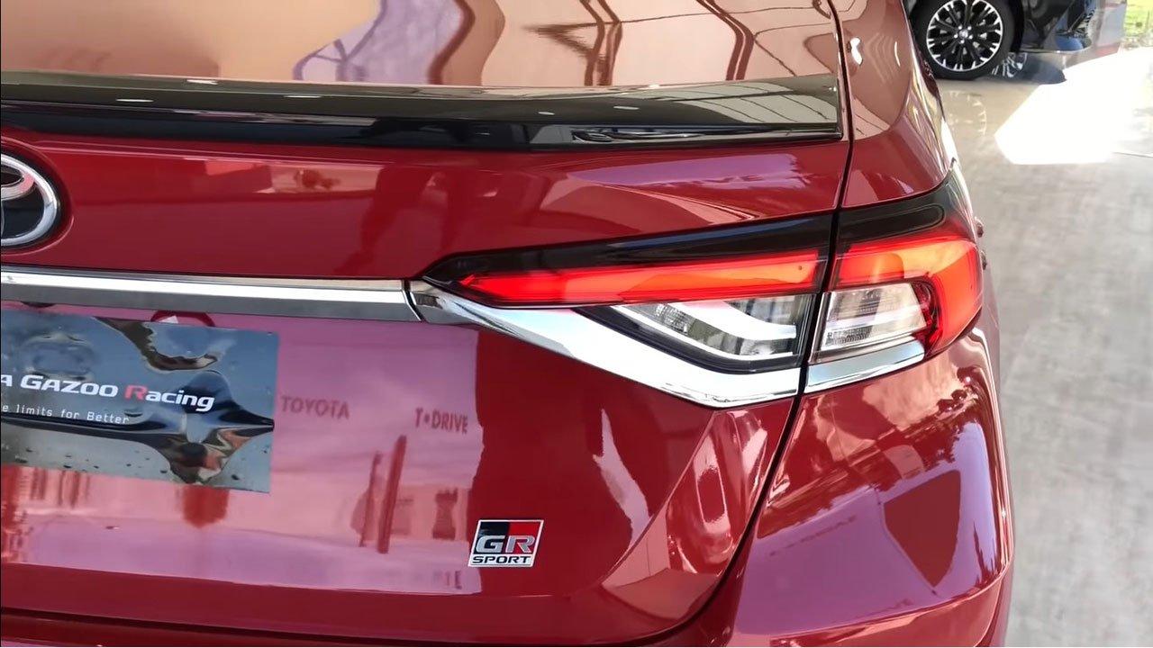 Diện kiến Toyota Corolla Altis GR Sport 2021 tại đại lý a8