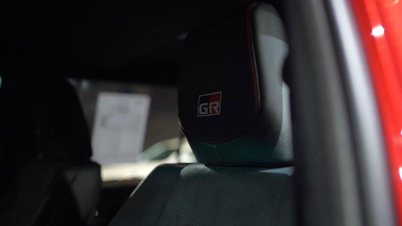 Bóc tem thực tế Toyota Fortuner GR Sport 2021 vừa ra mắt a10