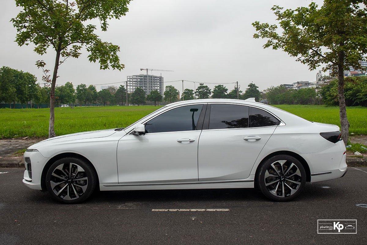 Ưu nhược điểm xe VinFast Lux A2.0 2021 a10