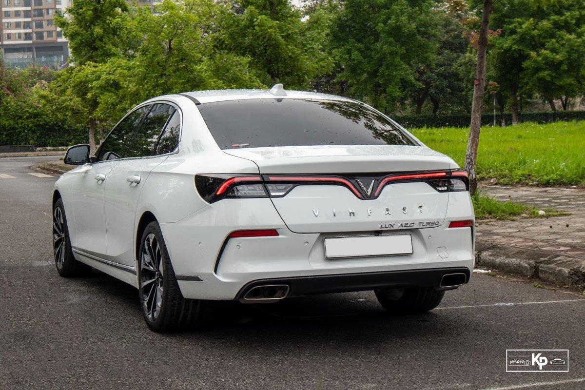 Ưu nhược điểm xe VinFast Lux A2.0 2021 a3