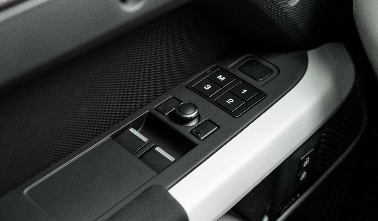 tiện ích Land Rover Defender1.