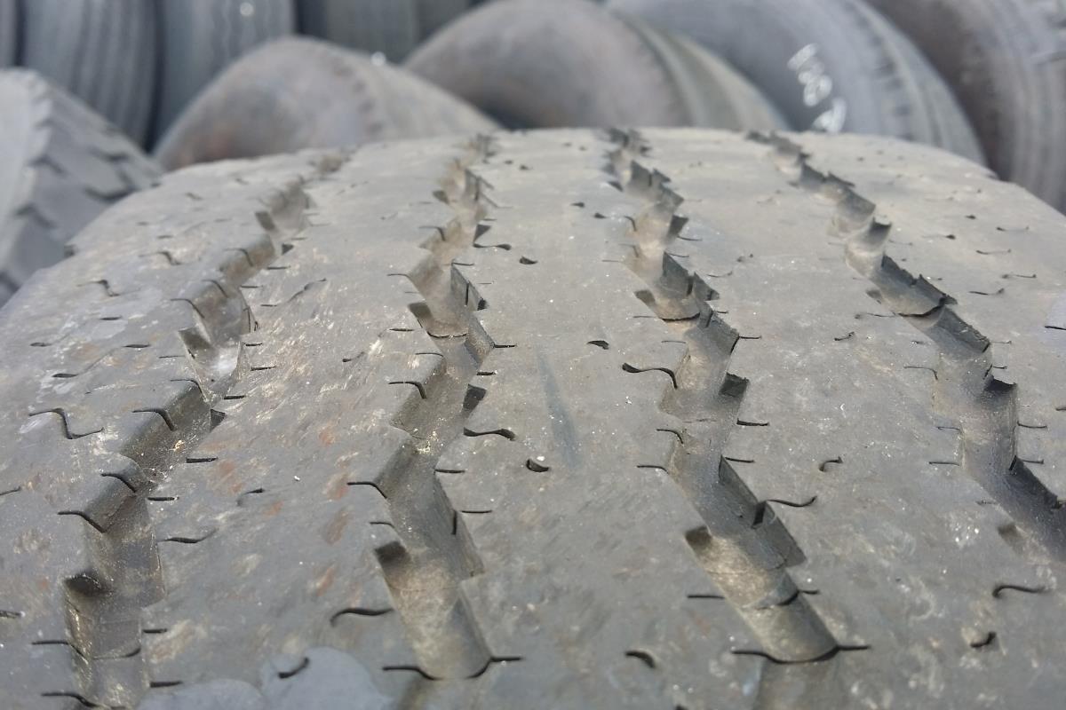 lốp xe mòn bất thường