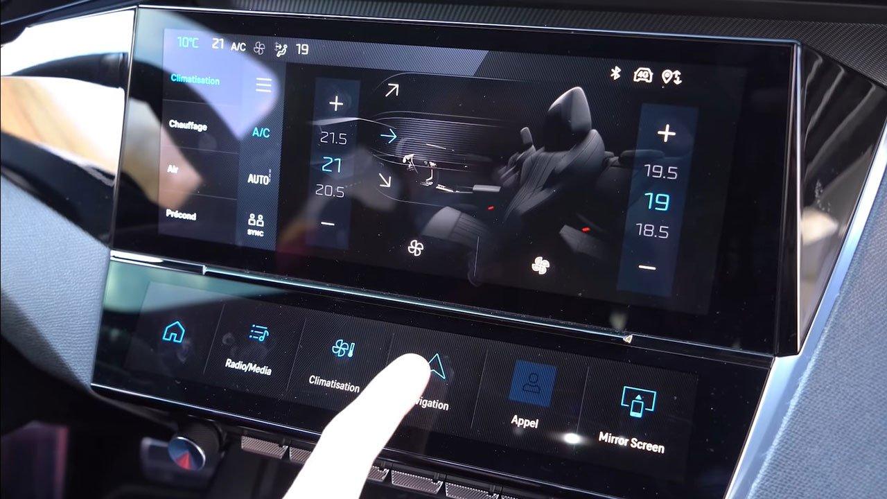 Bóc tách thực tế Peugeot 308 2022 Trong sang, ngoài xịn khiến Mazda 3 phải lo lắng a11