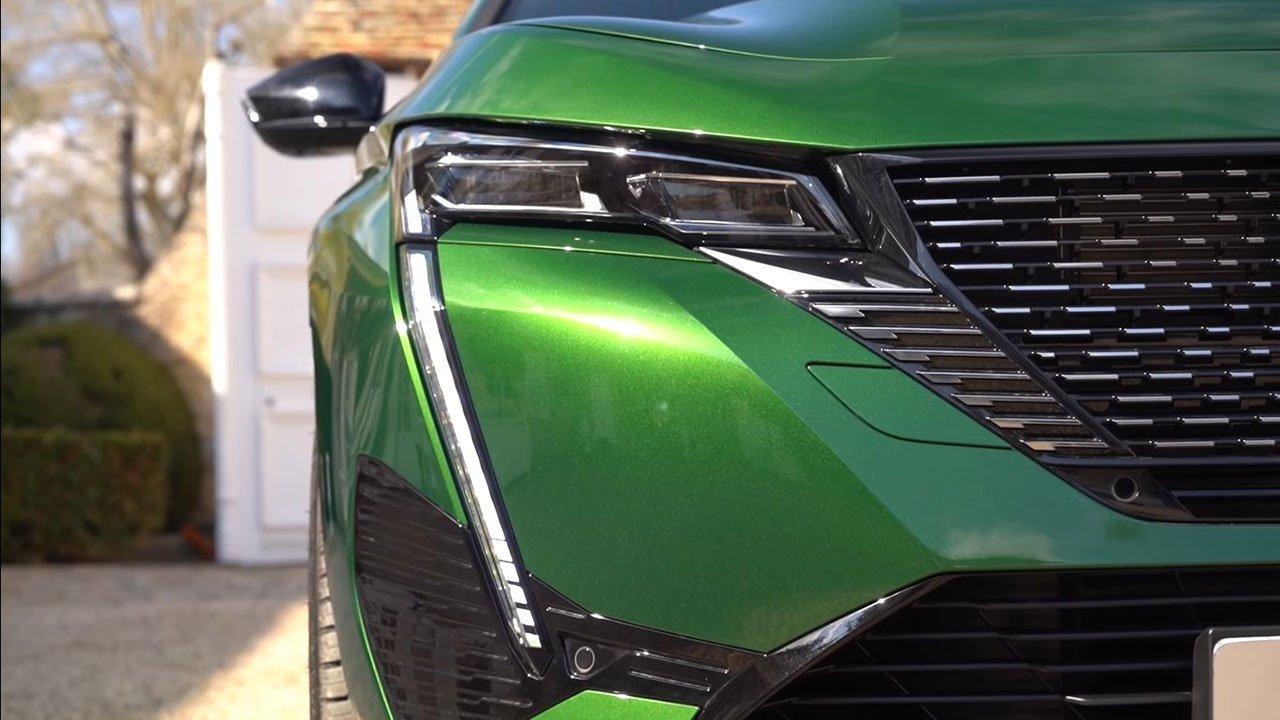 Bóc tách thực tế Peugeot 308 2022 Trong sang, ngoài xịn khiến Mazda 3 phải lo lắng a4