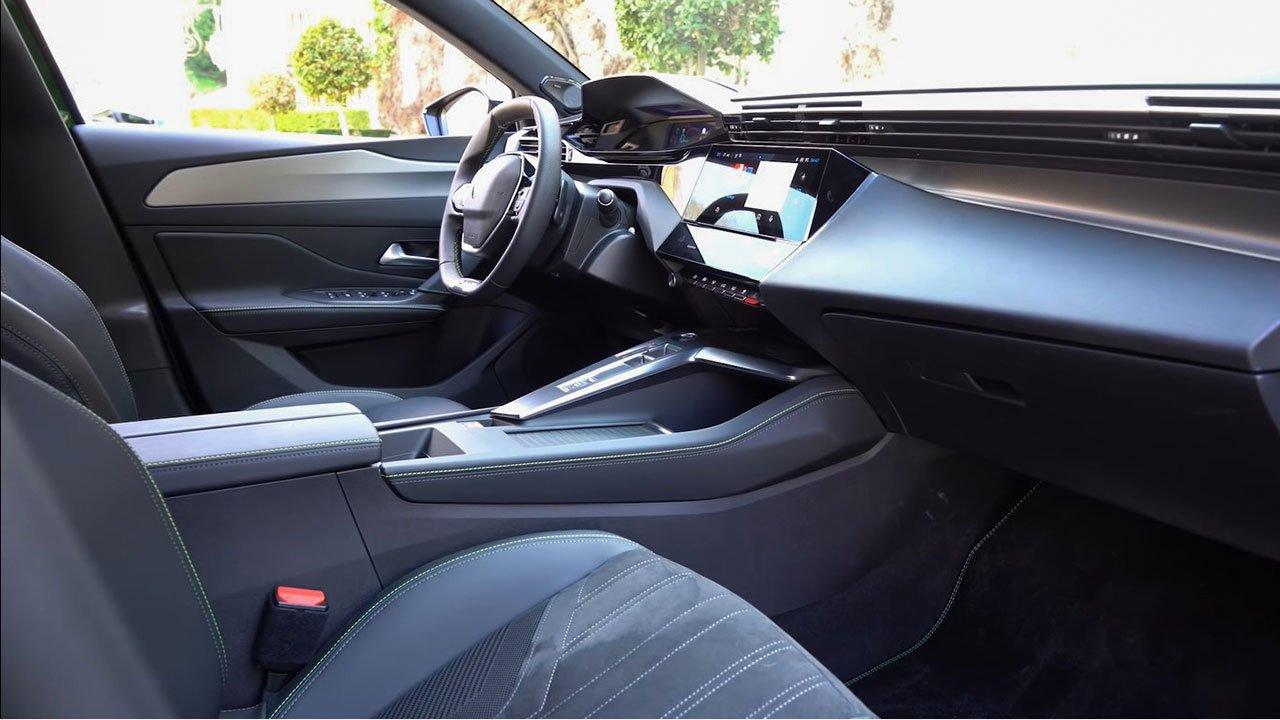 Bóc tách thực tế Peugeot 308 2022 Trong sang, ngoài xịn khiến Mazda 3 phải lo lắng a16