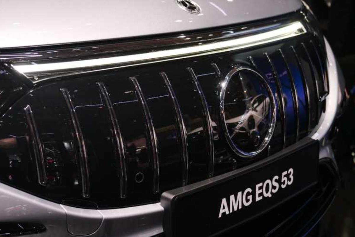 Mercedes-AMG EQS lưới tản nhiệt 1