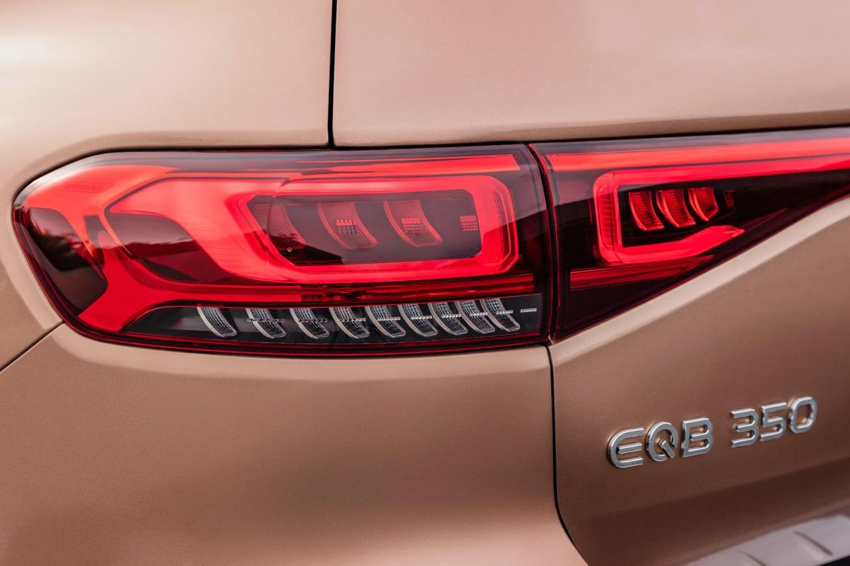 Mercedes EQB 2021 đèn hậu 1