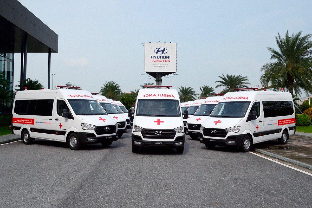 Cận cảnh dàn xe cứu thương Solati Hyundai tặng các bệnh viện tuyến đầu.