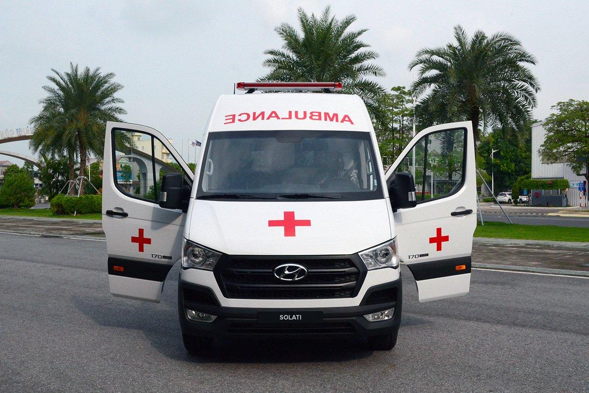 Mẫu xe cứu thương được trang bị bộ khung siêu cứng, làm bằng hợp kim cao cấp.