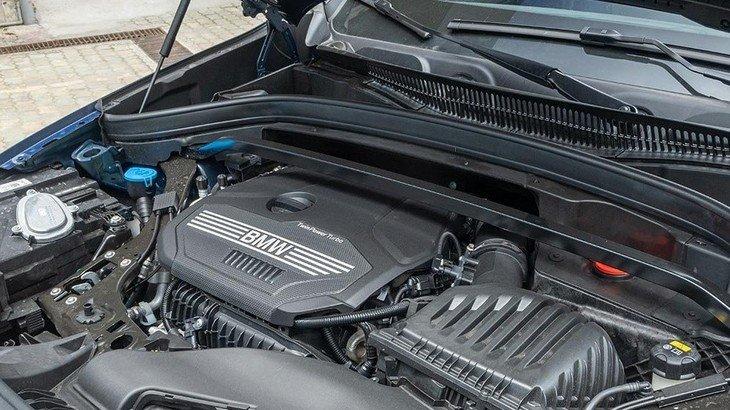 Động cơxe BMW X1 2021.