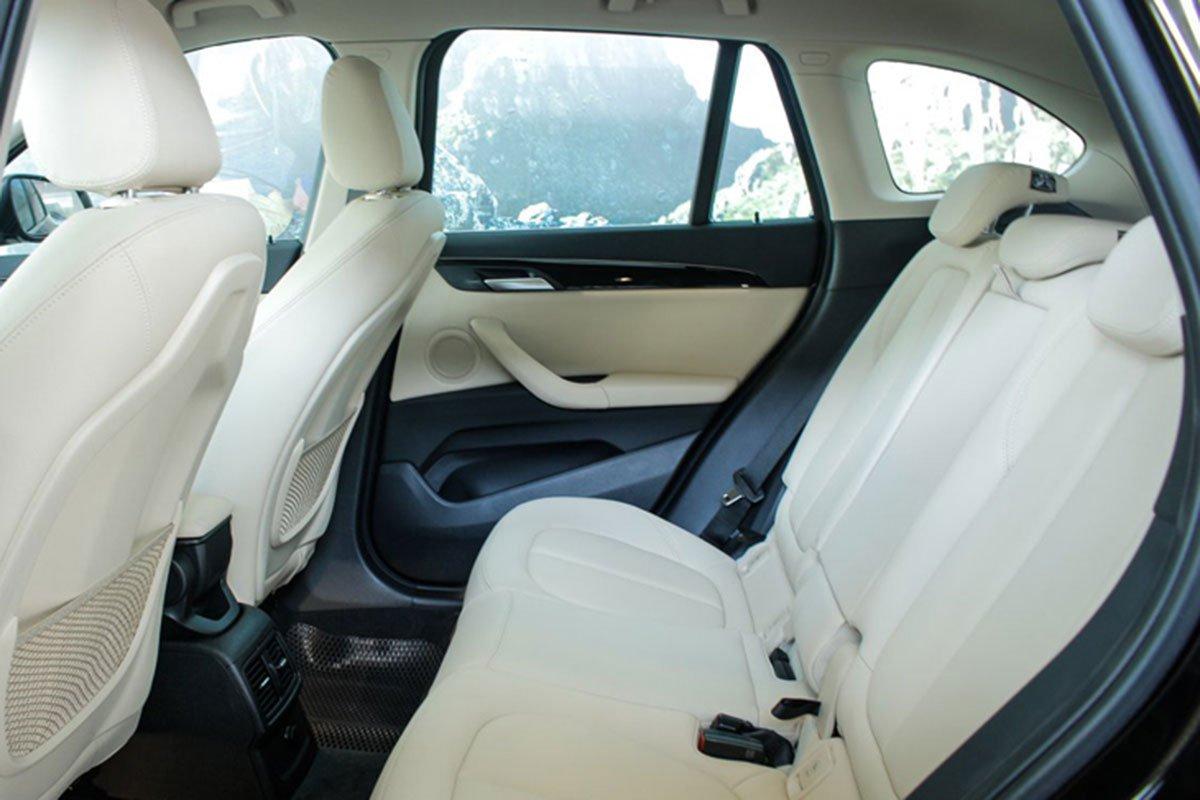 ghế sau BMW X1 2021 mới nhất.