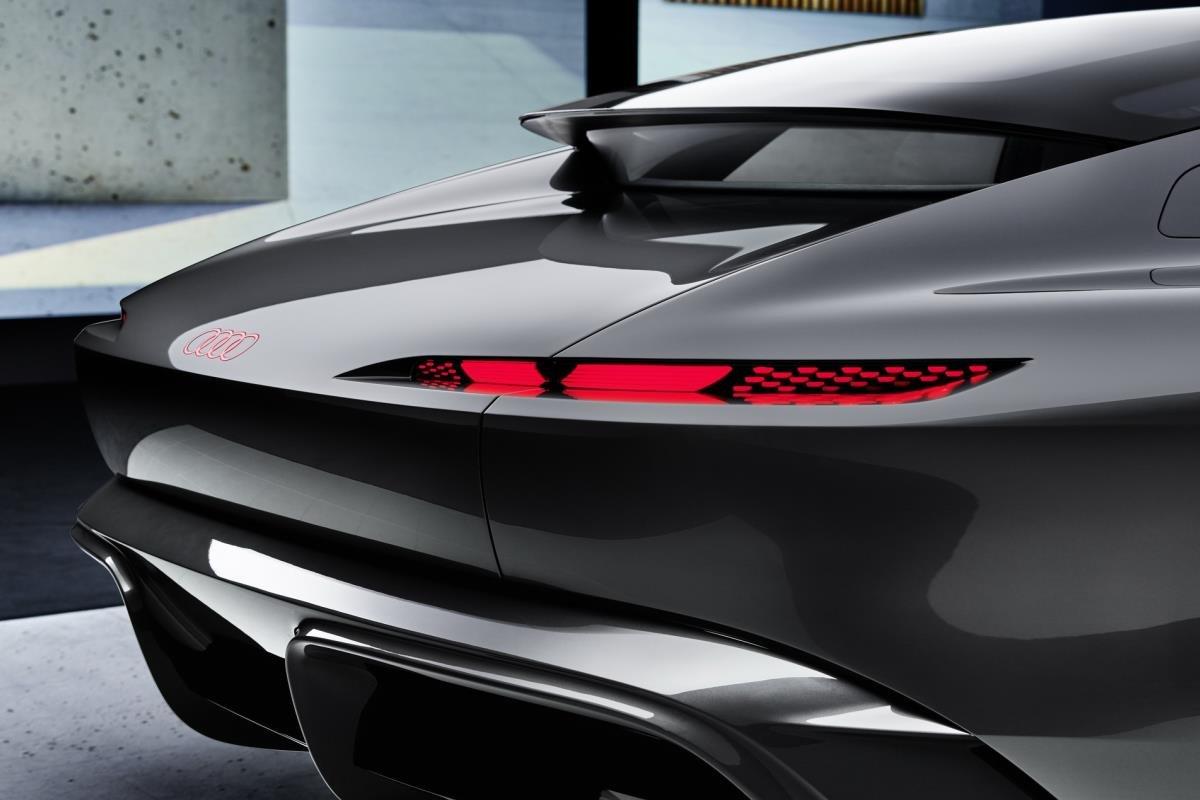 Audi Grandsphere Concept đuôi xe 1