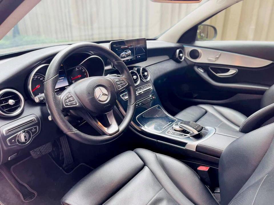 Mercedes C200 2015.