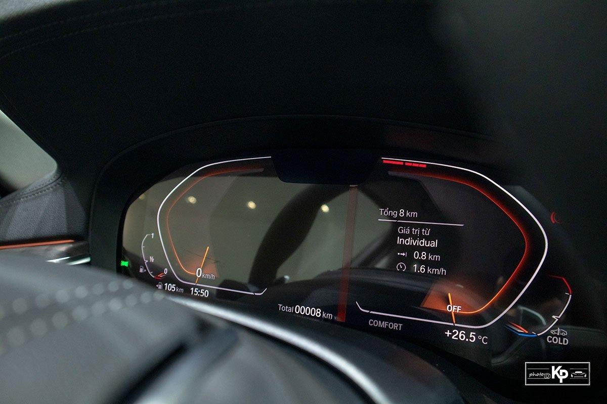 đồng hồ trên xe BMW 520i .