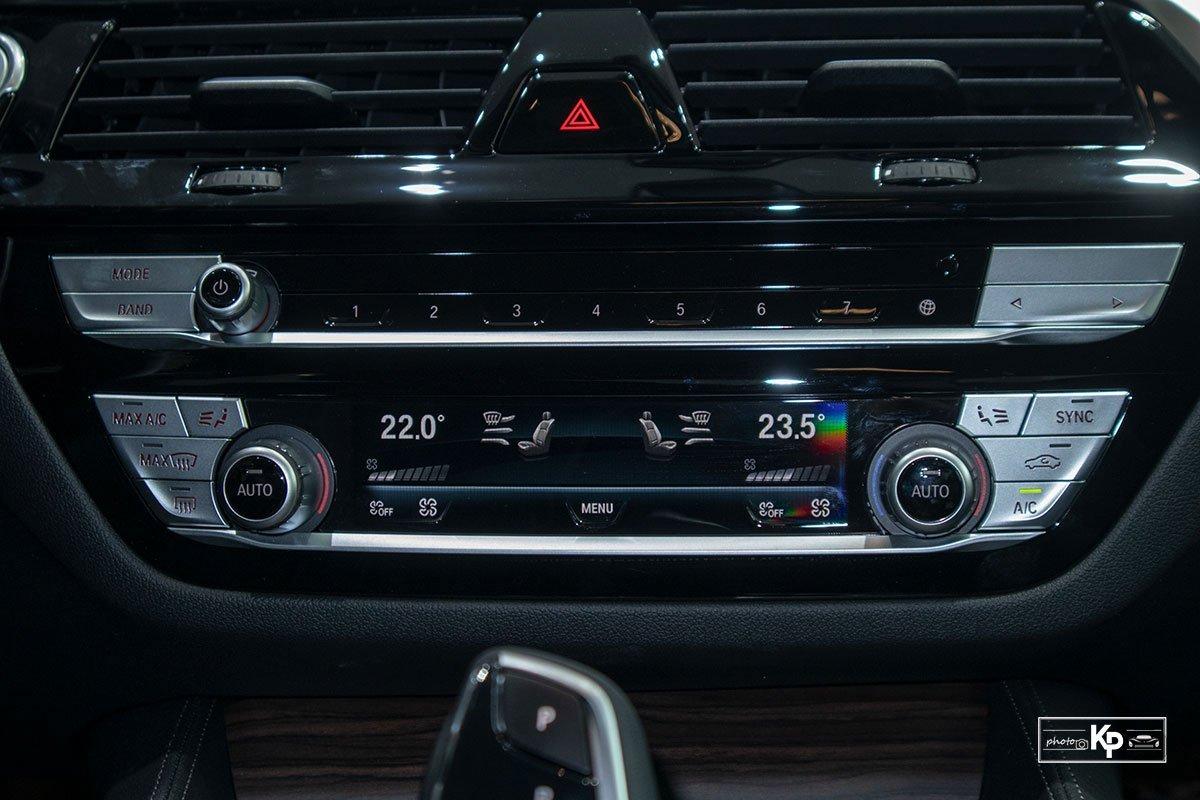 tiện ích trên xe BMW 530i .