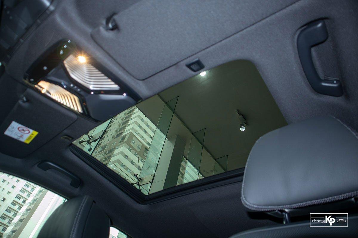 cửa sổ trời xe BMW 530i .