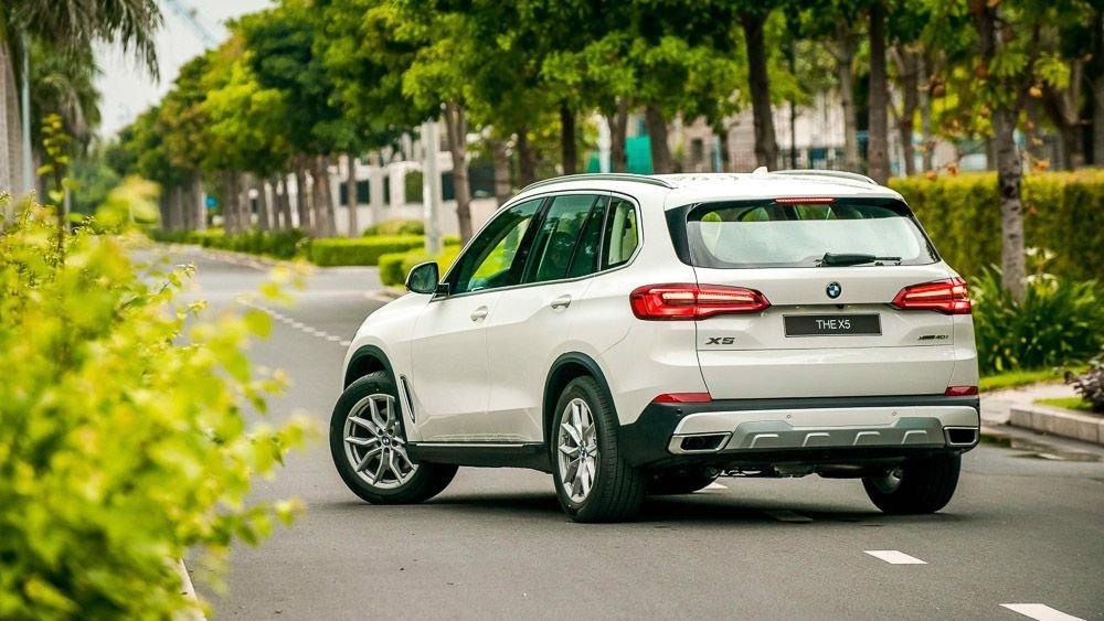 đuôi xe BMW X5