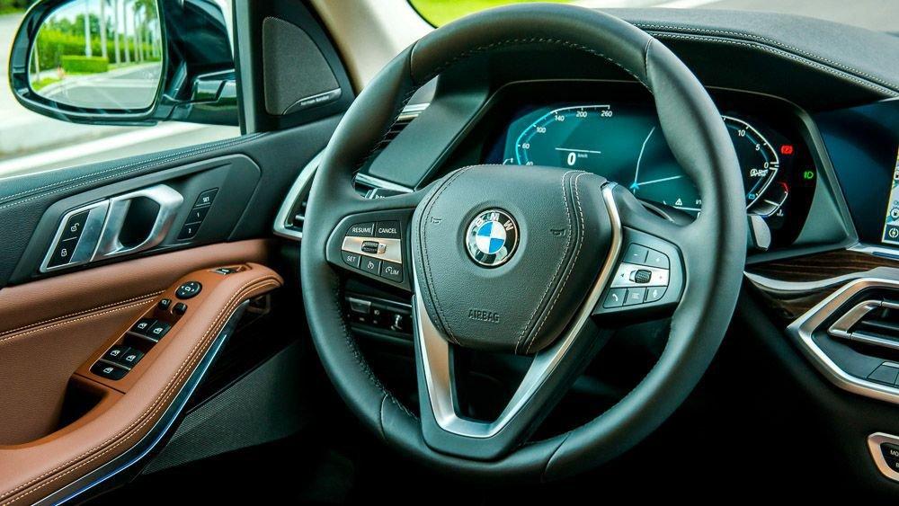 vô-lăng BMW X5.