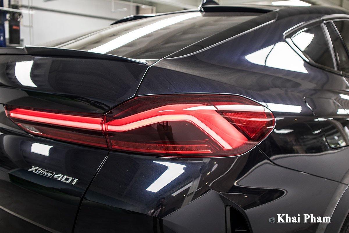 đèn sau xe BMW X6 xDrive40i M Sport.