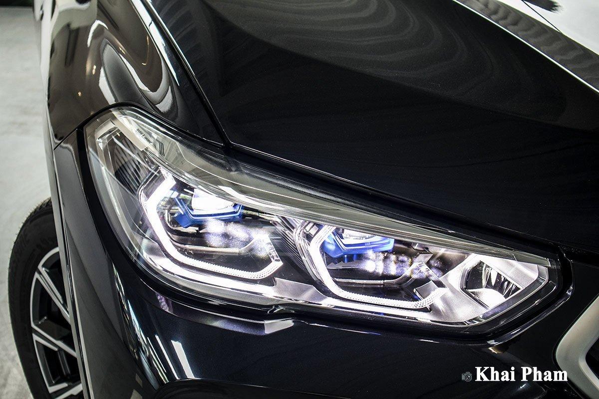 đèn trước xe BMW X6 xDrive40i M Sport.