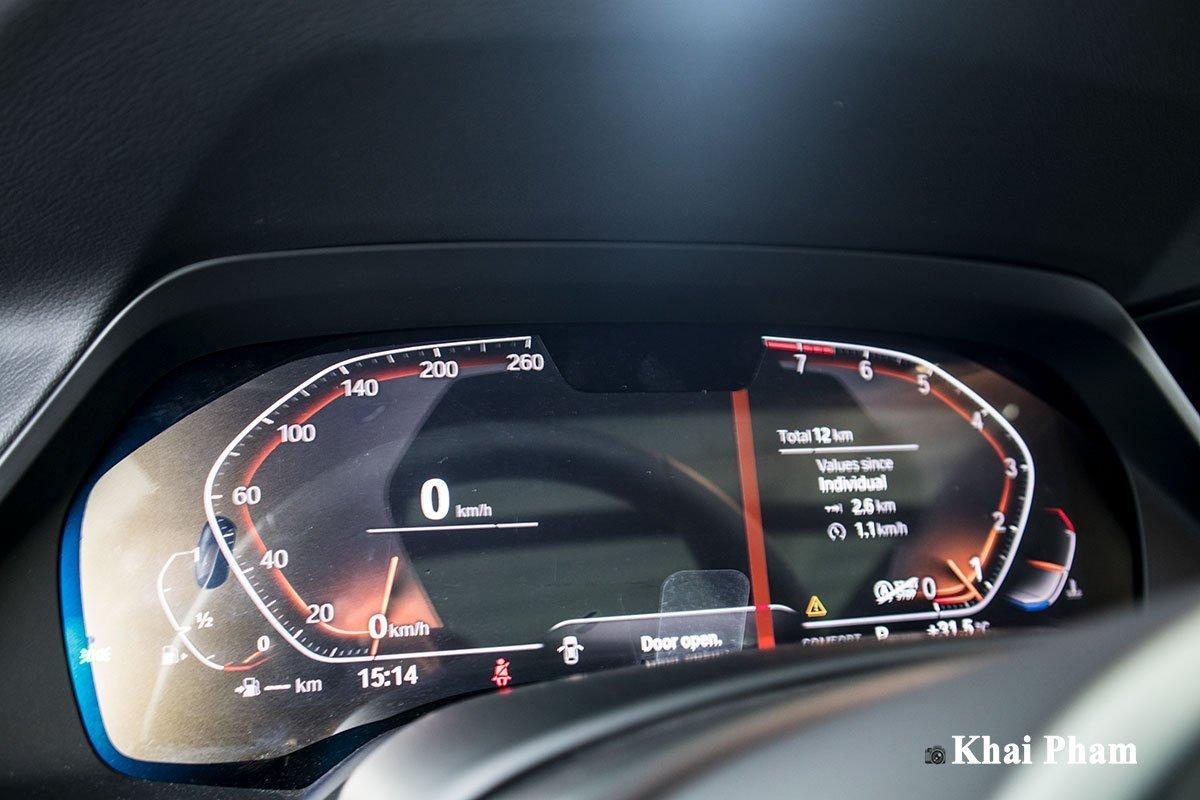 đồng hồ trên xe BMW X6.