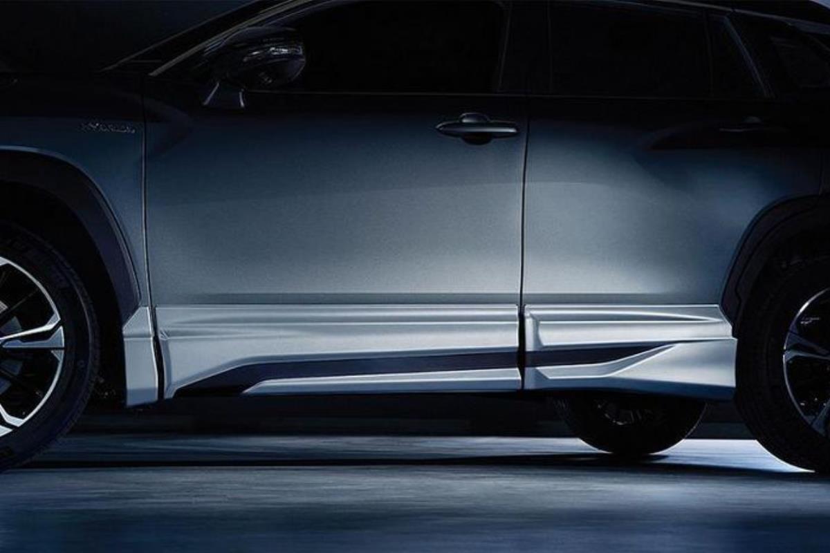 Toyota Corolla Cross Modellista mặt ngang 1