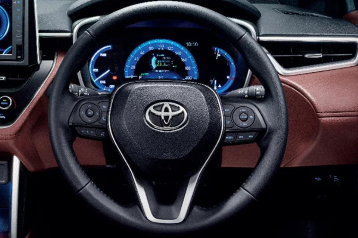 Toyota Corolla Cross Modellista vô lăng 1