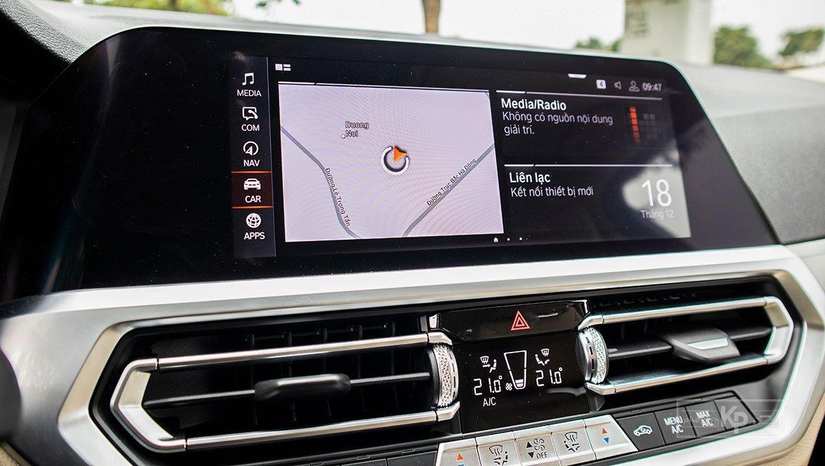 màn hình thông tin xeBMW 320i 2021.