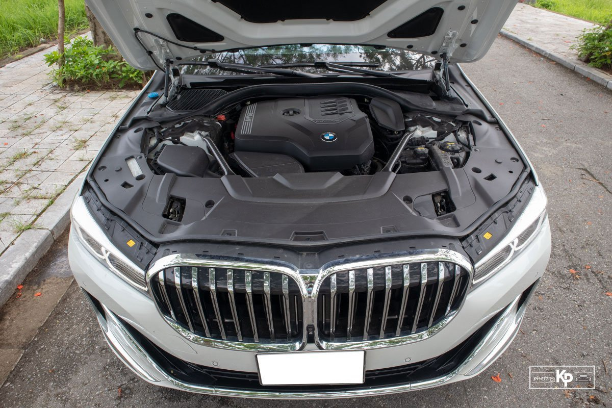 Động cơxe BMW 730Li 2021.