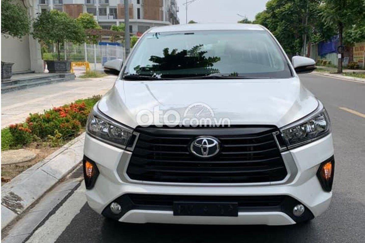 Chạy gần 1 năm, Toyota Innova có giá rẻ bất ngờ a2