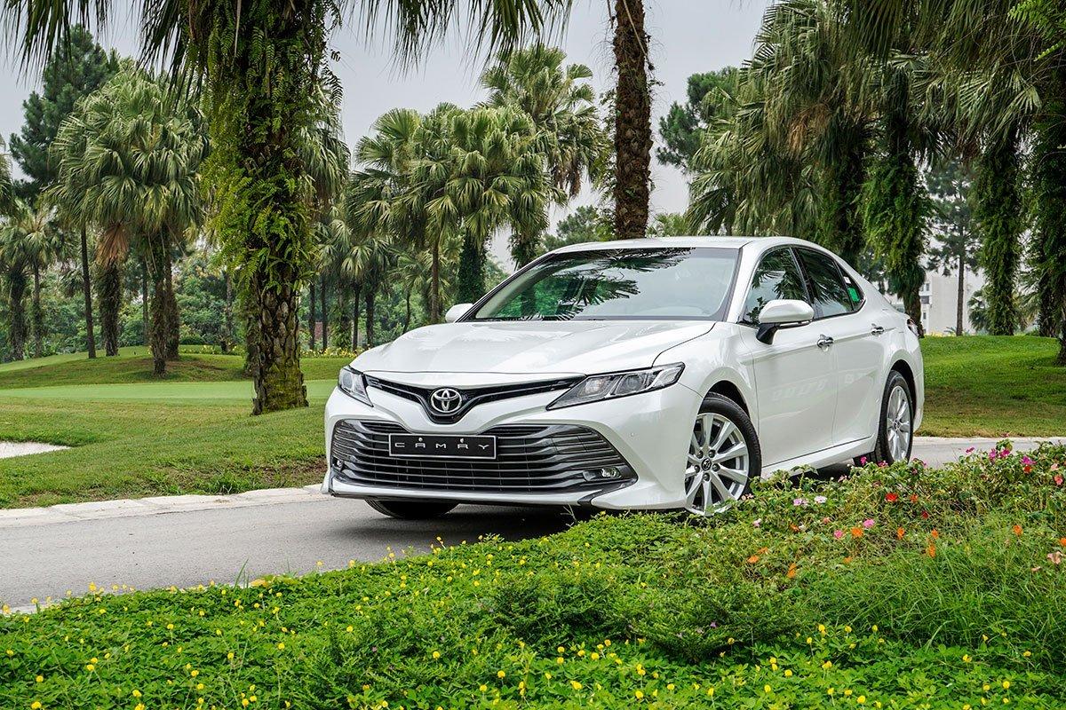 diễn biến phức tạp của dịch Covid-19 nên doanh số bán Toyota Camry khá bèo bọt
