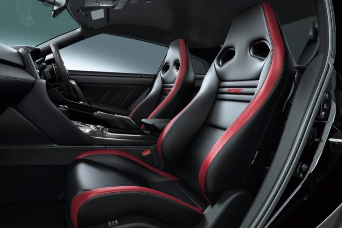 Nissan GT-R 2022 nội thất 1 1