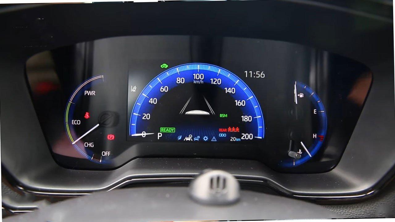 Bóc tem Toyota Corolla Cross GR Sport 2022 ngoài đời thực, người Việt ngóng chờ a9
