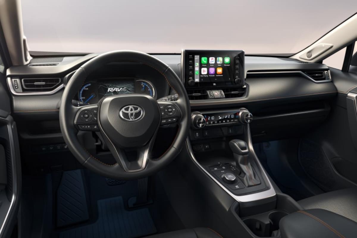 Toyota RAV4 2022 bảng điều khiển 1