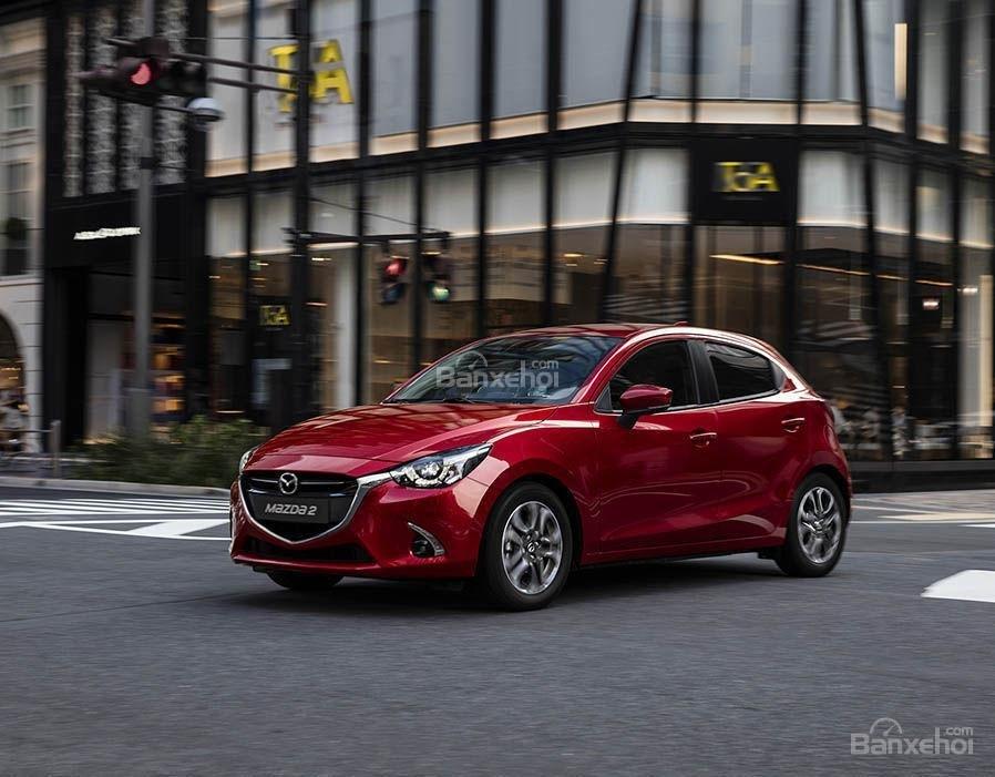 Ngoại hình Mazda 2 cũ đời 2017-2018.