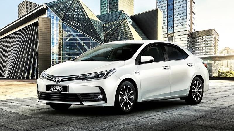 Ngoại hình Toyota Corolla Altis cũ đời 2018 - 2019.