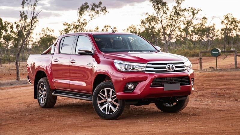 Ngoại hình Toyota Hilux cũ đời 2016.