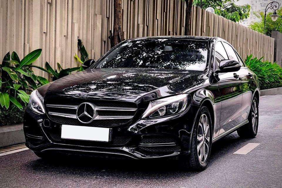 Các dòng xe Mercedes nói chung mất giá khá nhanh.
