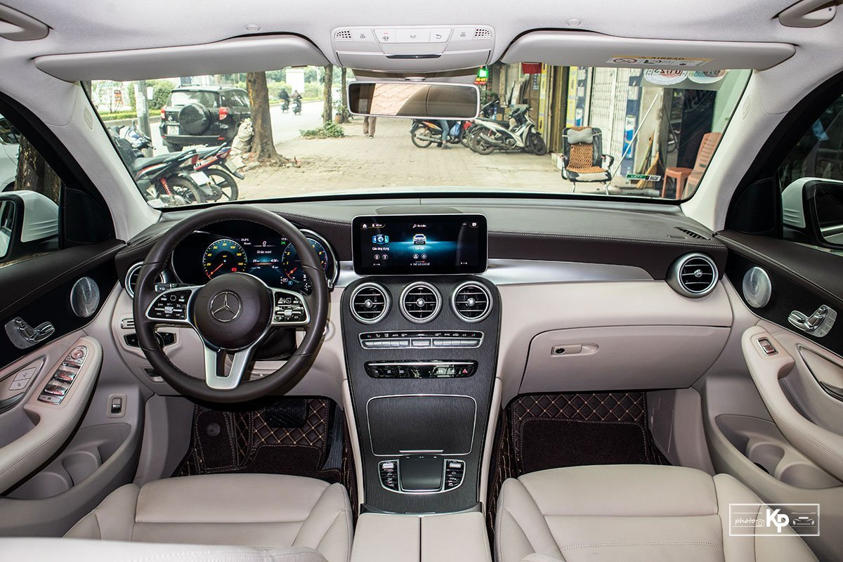 Mercedes GLC 300.