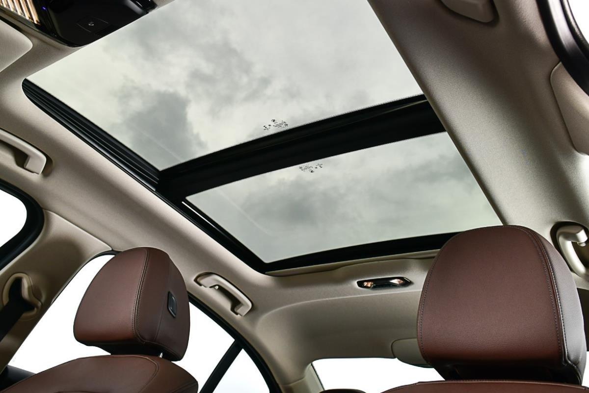 BMW 320Li Luxury cửa sổ trời 1