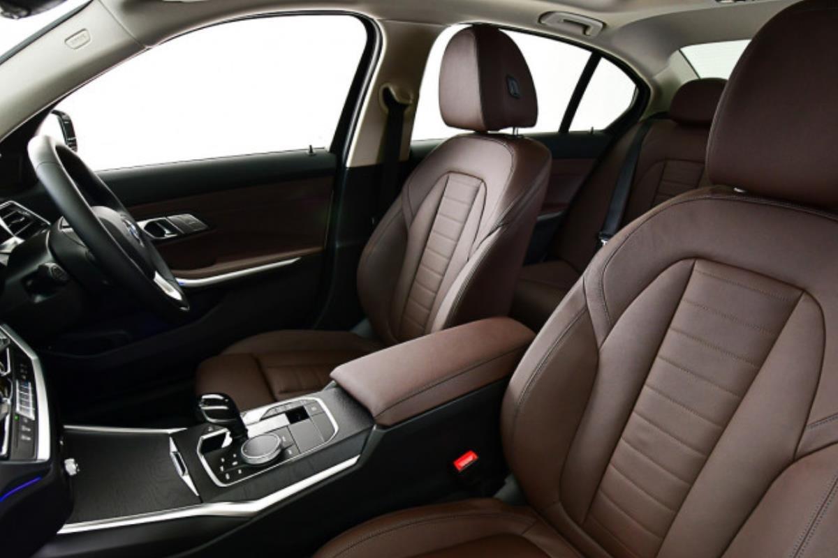 BMW 320Li Luxury ghế trước 1