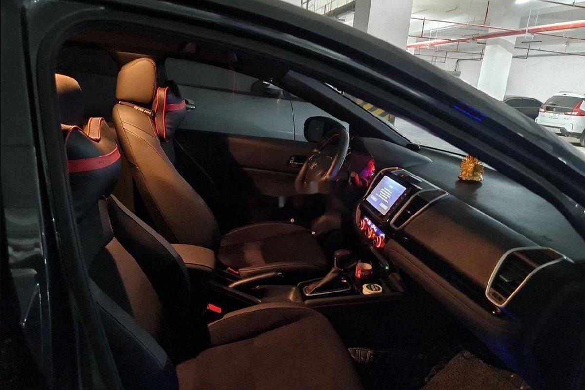 Các chi tiết nội thất trên xe Honda City RS 2021 siêu lướt vẫn rất mới.