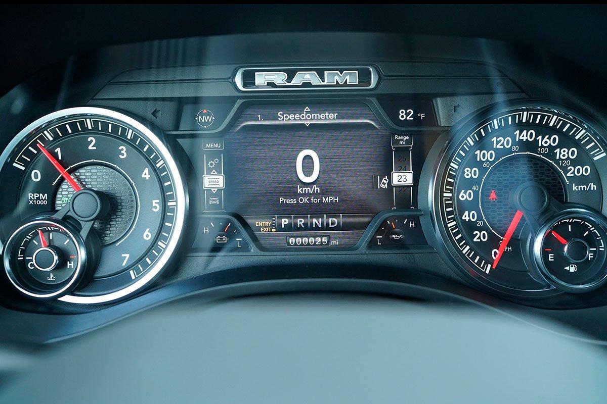 đồng hồ thông tin RAM 1500.