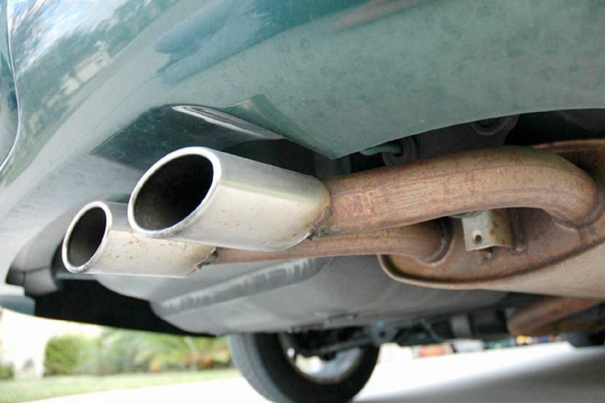 ống xả ô tô
